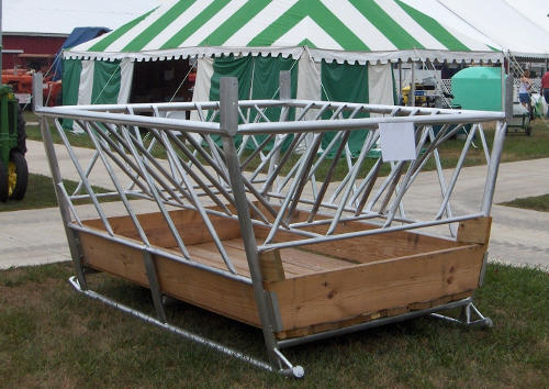 W-8 Hay Feeder for Cattle
